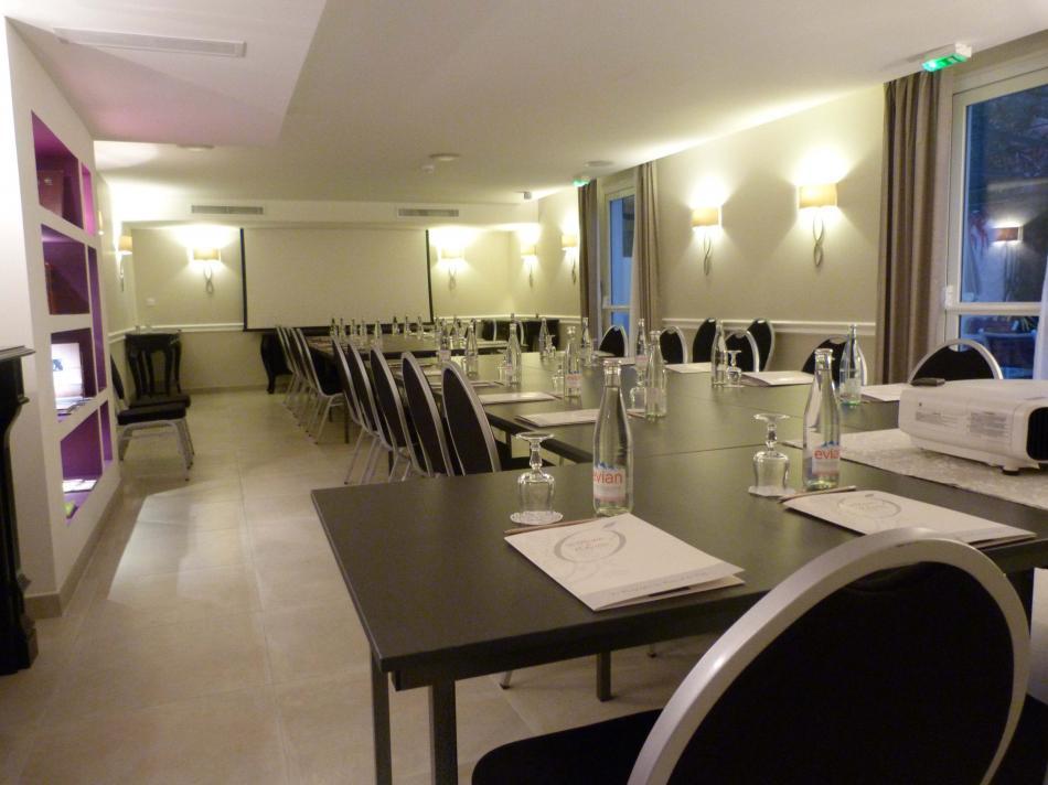 Bastide de l'Oliveraie -Conference room